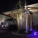 マイホームにおしゃれな駐車場を作ろう!照明付きで夜もおしゃれな雰囲気に【画像あり】